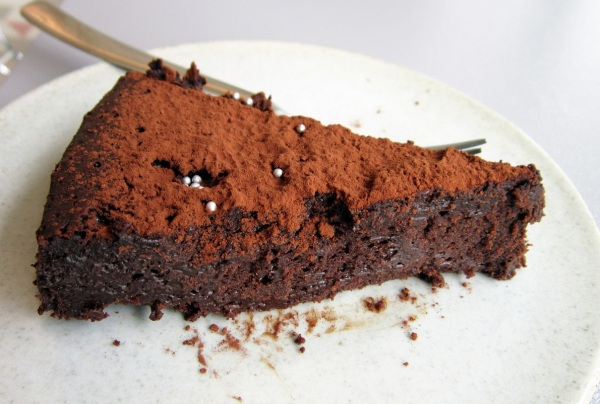 Torta Explosão de Chocolate, doce sem glúten da confeiteira Marilia Zylbersztajn