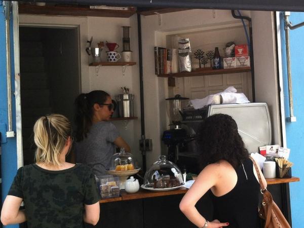 O espaço mínimo da The Little Coffee Shop